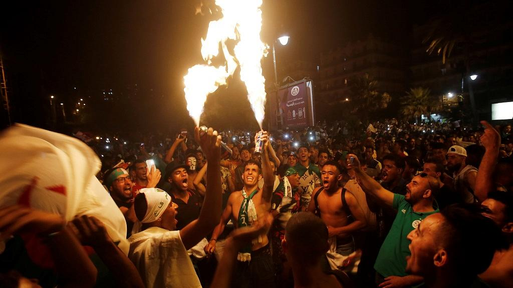 Algerian fans celebrate 2nd AFCON win as police clash with Paris fans.