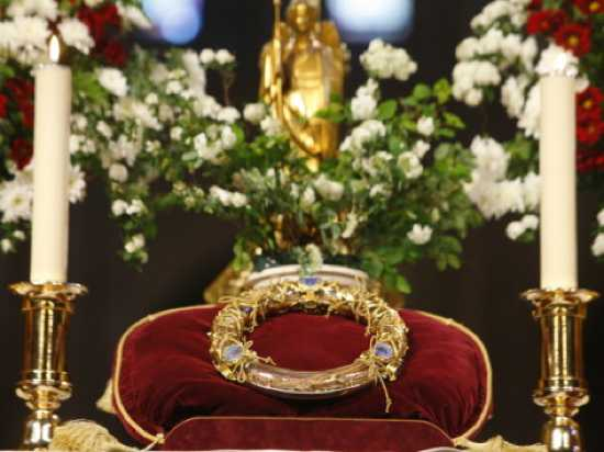 Crown of Thorns - Christ's Passion Relics at Notre Dame Cathedral Paris France Europe