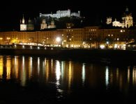 Salzburg Austria: The fortress (background), Salzburg Cathedral (middle), the Salzach (foreground) (Image, WikiCommons)
