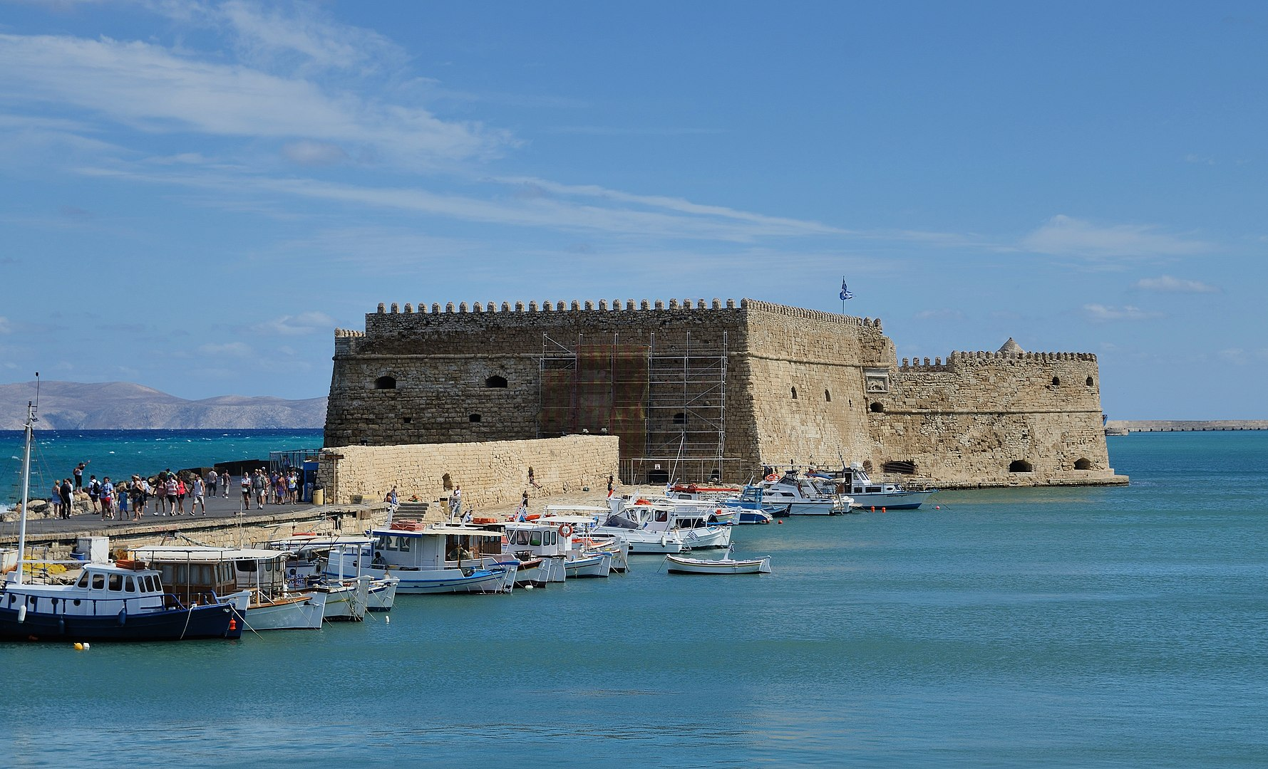 The Venetian fortress of Koules/Castello a Mare (1523–1540) guards the inner harbor of Heraklion