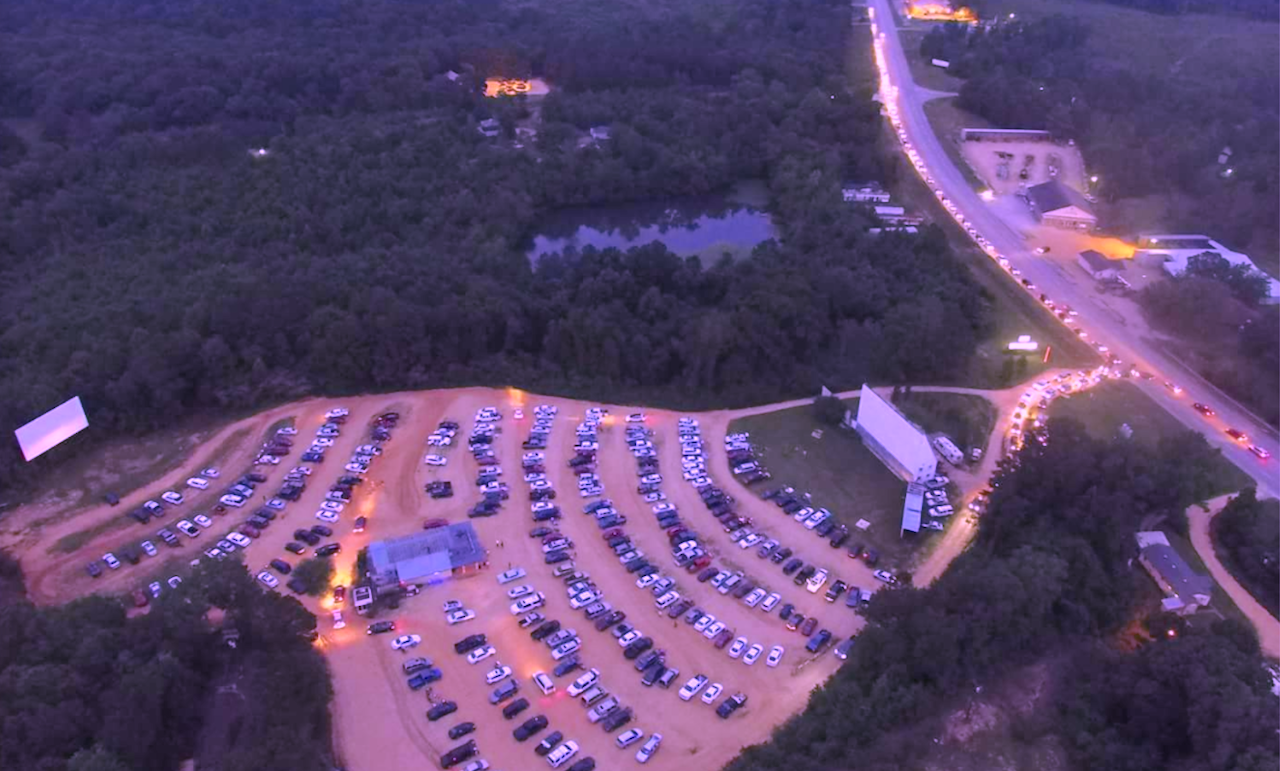 Blue Moon Drive-in, 4690 US Highway 43, Guin, AL 35563 (image by Dewayne Guyton)